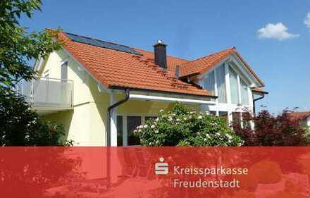 Einfamilienhaus mit Einliegerwohnung in Schopfloch-Oberiflingen