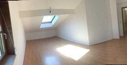3-Raum-DG-Wohnung mit Einbauküche in Kempten (Allgäu)