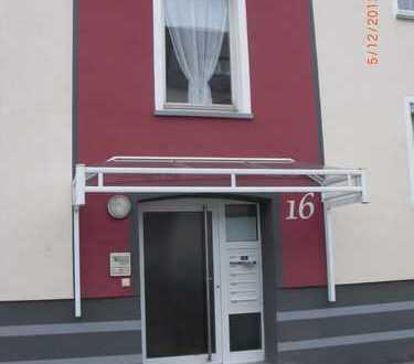 2,5 Zimmer EG-Wohnung mit Gartenanteil und Garage