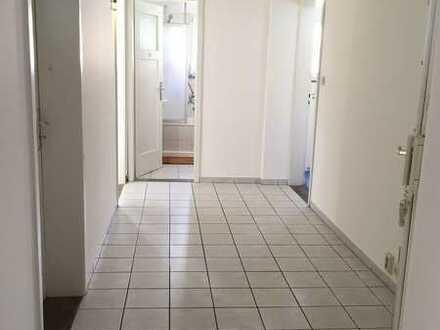 Untere Gasse 19, großes Zimmer zum 01.08 in Böblingen