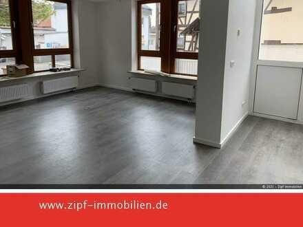 **Frisch renovierte Erdgeschosswohnung in zentraler Lage**