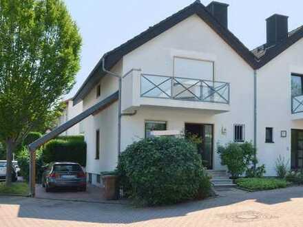 Sulzbach ** Doppelhaushälfte in ruhiger + familiengerechter Wohnlage **