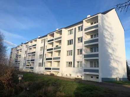 sonnige 4 Zimmer mit Balkon und Tageslichtbad suchen ab sofort neue Bewohner!