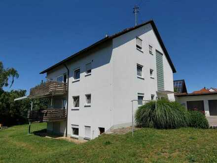 helle, ruhige, modernisierte 4-Zimmer-Erdgeschosswohnung mit großen Balkon und Garten