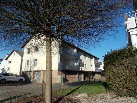Mauer: Attraktives Wohnhaus-Ensemble mit 9 Wohneinheiten, Balkone, Garagen