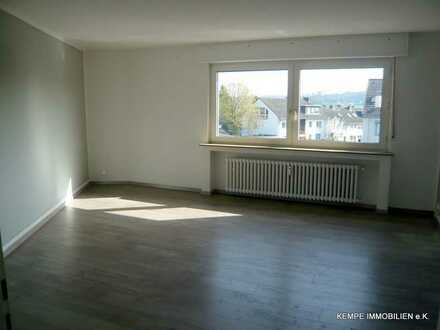 3-Zimmer-Wohnung, Küche, Diele, Bad in zentraler Lage von E-Burgaltendorf (Nähe Burgruine)