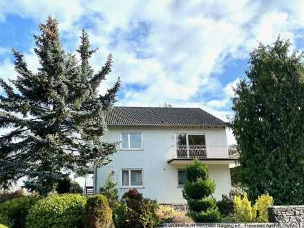 MAINZ-FINTHEN: Großzügiges Einfamilienhaus mit Einliegerwohnung mit großem Garten