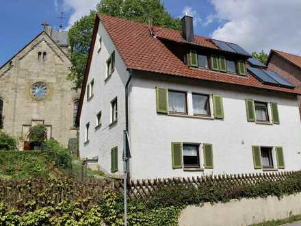 Idyllisches Haus mit Garten und zusätzlicher Wiese