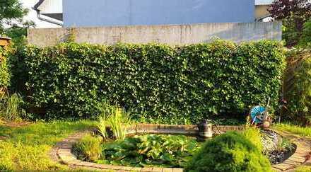 Schönes Haus mit Garten und Teich am Stadtrand sucht Mitbewohner für 4er Mix-WG