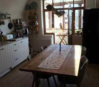 Helle, ruhige Wohnung mit traumhafter Wohnküche in Essen Frohnhausen