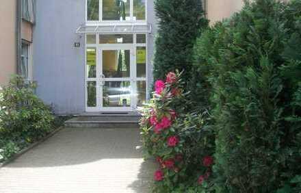 3-Raum in Rabenstein mit 2 Balkone und Tiefgarage !!