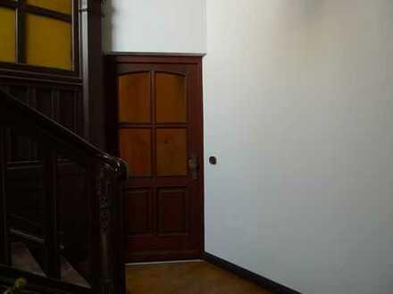 Exklusive,vollständig renovierte 4-Zimmer-Wohnung im Altbauwille. Parkstrasse 57.