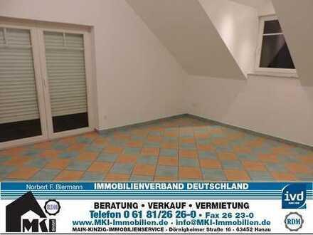 2-Zimmer-Single-DG-Wohnung mit Südbalkon