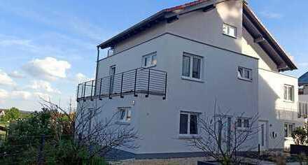 Schönes, geräumiges Haus mit vier Zimmern in Erlangen-Höchstadt (Kreis), Spardorf