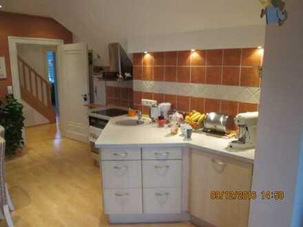 Vollständig renovierte 5-Zimmer-Maisonette-Wohnung mit Einbauküche in Osnabrück
