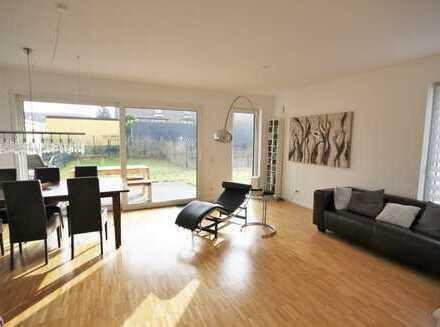 Neuwertige 3-Zimmer-Erdgeschosswohnung mit Terrasse und eigenem Garten!