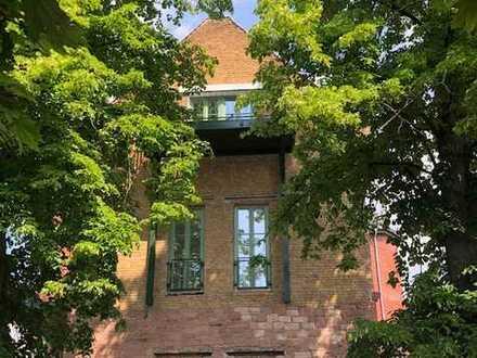 Einzigartig wohnen über den Dächern von Groß-Auheim, 2 Zimmer DG Wohnung