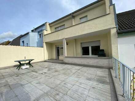 Eigenheim im Zentrum von Wiesdorf 132 qm Traumwohnung 3,5 Zi mit Terrasse und Balkon