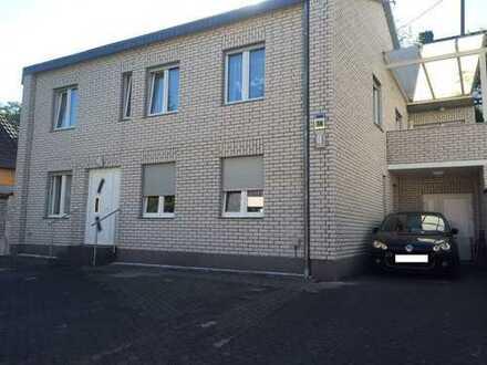 Kernsanierte Schöne 3 Zimmer Wohnung für 1.000 € Kalt , 75 m²