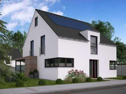 Massives Einfamilienhaus mit viel Platz, auf sehr schönem Grundstück, individuell gebaut!