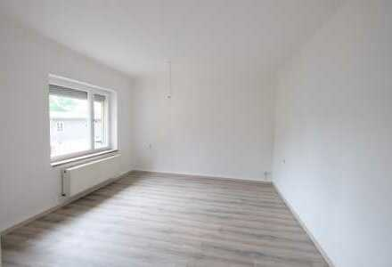 Ihr Weihnachtsgeschenk: 1 Monat Mietfrei! Freundliche 3-Raumwohnung mit Balkon in Großröhrsdorf.