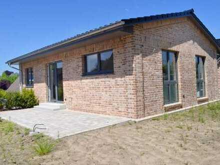 Neubau-Bungalow in ruhiger, bevorzugter Wohnlage südlich vor den Toren Kiels