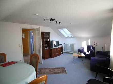 3-Zimmer-DG-Wohnung mit Balkon und EBK in Fellbach