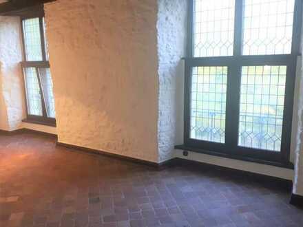 """#Wohnen über 2 Etagen, 2 1/2 Raum """"nähe Stadtwald, im Alten Stiftshaus"""""""