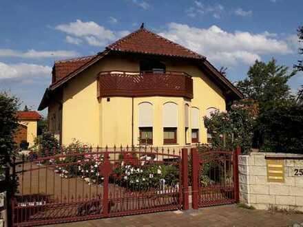 sicheres Investment: komfortables Wohnhaus mit 3 Wohneinheiten - Borsdorf/ Panitzsch
