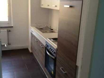 Neu sanierte 2 Zimmer Wohnung 2. OG mit EBK