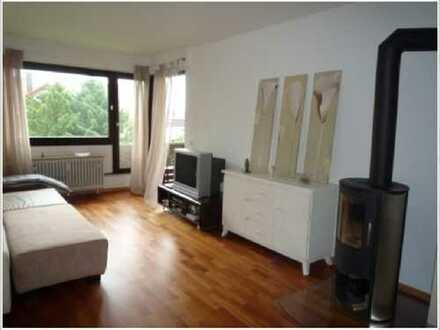 Exklusive, vollständig renovierte 3-Zimmer-Wohnung mit Balkon und EBK in Böblingen