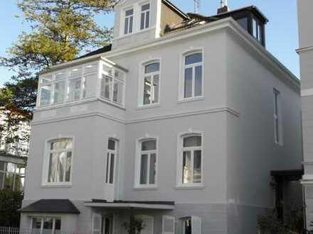 Sanierte Dachgeschoss-Altbauwohnung im Haarenesch-Viertel, sehr zentral (Befristet bis 31.8.21)
