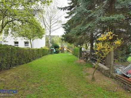 Einfamilienhaus mit viel Potential. Anbau, Hof und 641 qm großem Grundstück. In Bonn.
