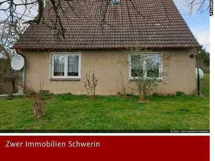 Wohnhaus, 4 Zimmer, Garage und Garten ca. 4.000 m² in Neu-Kassow, nahe S-Bahn Rostock-Güstrow