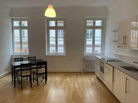Attraktive möblierte 3-Zimmer Wohnung inmitten der Heidelberger Altstadt