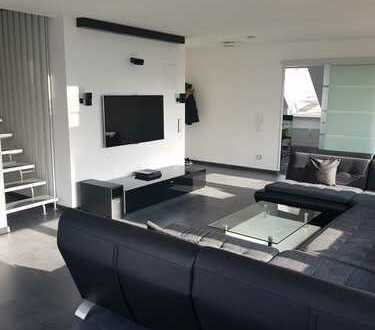 Moderne, lichtdurchflutete 3,5 Zimmer Maisonette Wohnung mit Dachterrasse in Neckarsulm/Neuberg
