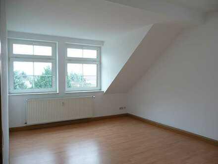 Belgershain...Sonnige Dachgeschoss-Wohnung mit Laminat!