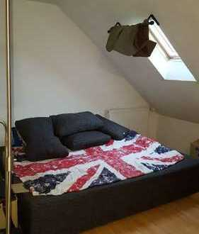 3 WG. Zimmer mit schrägen in einem Reinhaus zu vermieten