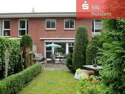 Nur ca. 250 m zum Ostseestrand: Modernes Reihenmittelhaus mit Vollkeller in Neustadt