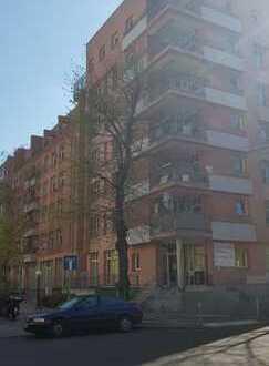 Große und frisch sanierte 3-Zimmer-Wohnung nahe der Karl-Marx-Straße!