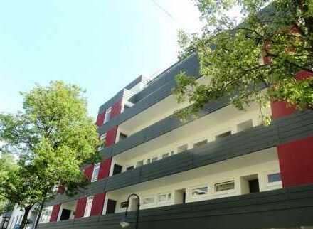 CENTURY 21: Apartment mit Balkon und EBK mitten in der City