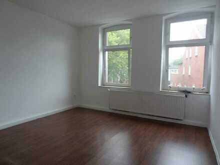 19qm Zimmer in eine 83 qm Wohnung in Bochum-Riemke