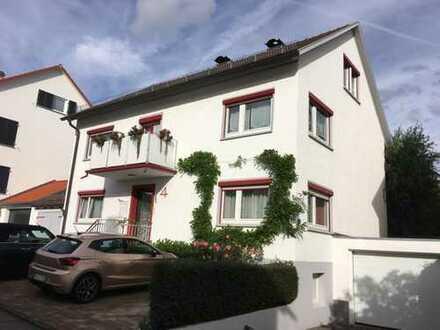 Gepflegte 2-Zimmer-Dachgeschosswohnung mit Charme in Herrenberg an Einzelperson