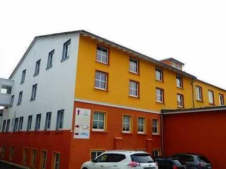 PROVISIONSFREI !!! Individuelles Gebäude, ca. 3.400 qm Gewerbefläche, 2.985 qm Grundstück, zu verk.