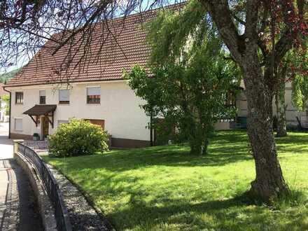 Großes Haus mit großem Garten in Jungingen zu verkaufen
