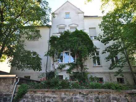 Exklusive 6- ZKB- Altbau- Wohnung mit Garten in charmanter Villa in Niederlahnstein