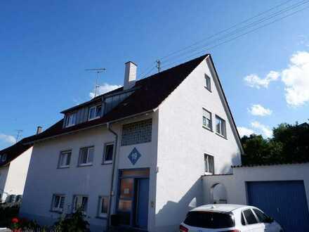 Gepflegtes 3 Fam. Generationenhaus mit Garten und 2 Garagen in 75391 Gechingen, KP: 759.000€