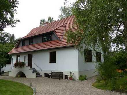 Geräumige vier Zimmer Wohnung im Erdgeschoss eines 2-Familienhauses in Klein Veltheim