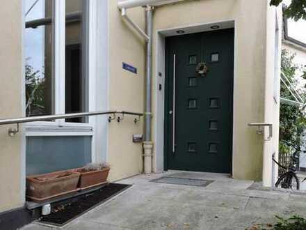 familienfreundliche 5 Zimmer EG-Wohnung mit EBK, große Terrasse und Sauna, zentral