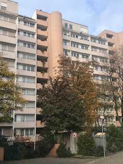 Schicke 2-Zimmer-Wohnung direkt am Herzogenriedpark